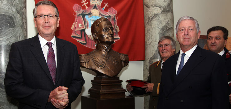 Wondrous Crown Prince And Russian Ambassador Unveil The Bust Of Hm Download Free Architecture Designs Scobabritishbridgeorg