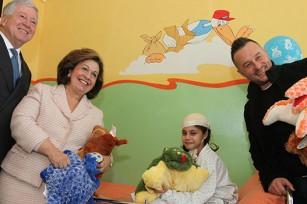 HRH Crown Prince Alexander, HRH Crown Princess Katherine and Mr. Ivan Ivanović during their visit to the hospital