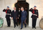 Crown Prince Alexander and the Prince of Wales coming out of the Royal Chapel of Saint Andrew the First Called