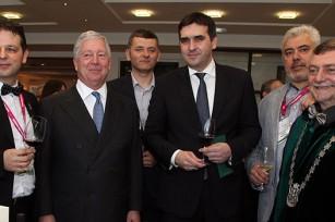 NJ.K.V. Prestolonaslednik Aleksandar i g-din Radomir Nikolić, gradonačelnik Kragujevca