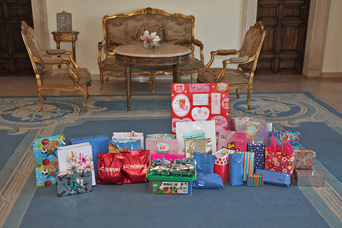 Crown princess katherine hosts international schools students collecting gifts for the traditional easter receptions negle Choice Image