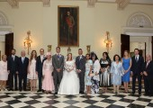 Newlyweds with the invitees at the White Palace