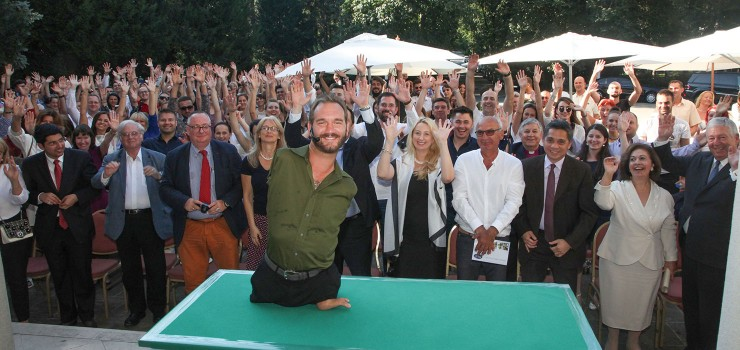 Nick Vujicic with the audience of the motivational speech
