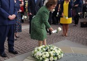 HRH Crown Princess Katherine lays flowers for all those who sacrificed their lives for humanitarian work