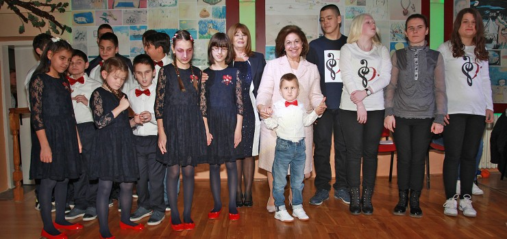 "HRH Crown Princess Katherine with the pupils of the school ""Veljko Ramadanovic"""