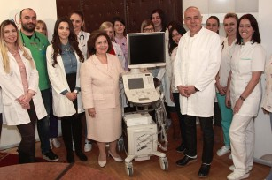 HRH Crown Princess Katherine with Professor Radojicic and University Children's Clinic's medical staff