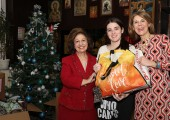 HRH Crown Princess Katherine  and Ms. Donna Sekulich, board member of Lifeline Chicago, on tradicional Christmas visit to Home for Children and Youth ``Drinka Pavlovic``