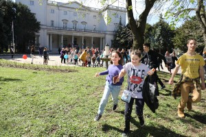 Potraga za jajima ispred Belog dvora
