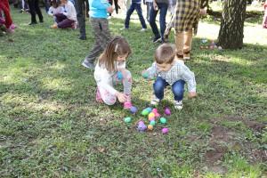 Потрага за јајима испред Белог двора