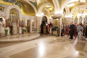 Vaskršnja liturgija u hramu Svetog Save