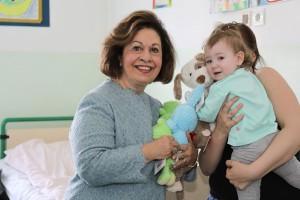 Nj.K.V. Princeza Katarina u vaskršnjoj poseti bolnicama