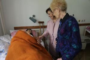 Њ.К.В. Принцеза Катарина и др Елејн Лејкок у посети специјалној болници Озрен