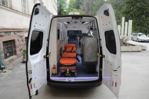 New fully equipped ambulance car for Ozren hospital