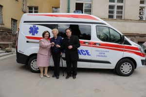 Nj.K.V. Princeza Katarina, dr Elejn Lejkok i dr Mihajlo Jovanović, direktor bolnice Ozren