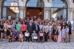 Церемонија доделе награде победницима у конкурсу за нови лого Лајфлајн Чикаго