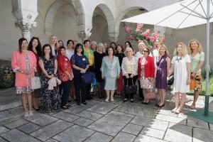 Међународни клуб жена у посети Краљевском двору