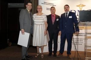 Dr Milan Dinić sa dobitnicima počasnog članstva Lekarske komore Srbije – dr Dimitrijem Jakovljevićem (Finska) i dr Davidom Kovačevićem (SAD)
