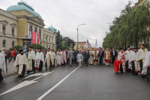 Procession to the monument of Kosovo heroes in Krusevac