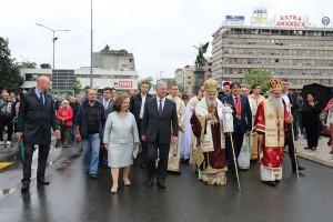 Литија до споменика косовским јунацима у Крушевцу