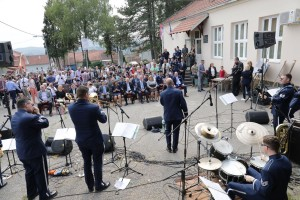 "US Air Force Europe Band performs at the ""Ivo Andric"" schoolyard in Pranjani"