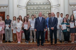 "HRH Crown Prince Alexander and Mr. Valentin Kuleto with the winners of ""IT Academy"" scholarships"