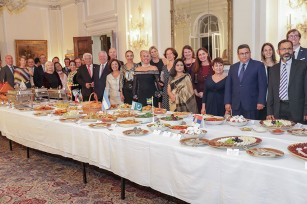 Their Royal Highnesses with diplomatic corps in the International cuisine dinner at the White palace