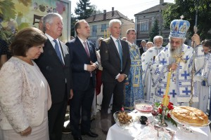 HRH Crown Prince Alexander, HRH Crown Princess Katherine, His Grace Bishop Jovan of Sumadija, Mr. Dragan Jovanovic, President of the Municipal Assembly of Topola, Mr. Dragan Zivanovic, Mayor of Topola, attended the Holy Liturgy and procession in Topola