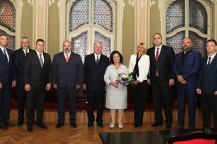 Their Royal Highnesses Crown Prince Alexander and Crown Princess Katherine at the City Hall with the Zrenjanin City officials