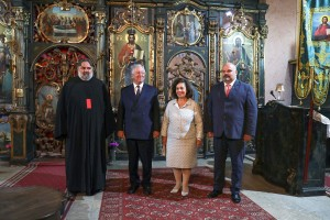 Father Radivoj, TRH Crown Prince Alexander and Crown Princess Katherine and Mr. Cedomir Janjic at the Temple of the Assumption of the Holy Virgin