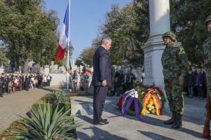 Nj.K.V. Prestolonaslednik Aleksandar na ceremoniji na Francuskom vojnom groblju