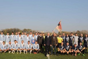 Nj.K.V. Prestolonaslednik Aleksandar sa fudbalskim timovima