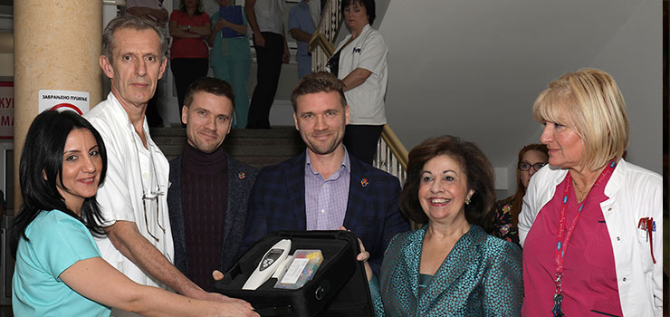 Nj.K.V. Princeza Katarina sa prof. dr Željkom Mikovićem, Maksimom i Sergejem Šolomom i prof. dr Snežanom Rakić