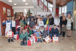 "Children from ""Jovan Jovanovic Zmaj"" home received Christmas gifts from HRH Crown Princess Katherine and Lifeline Chicago"
