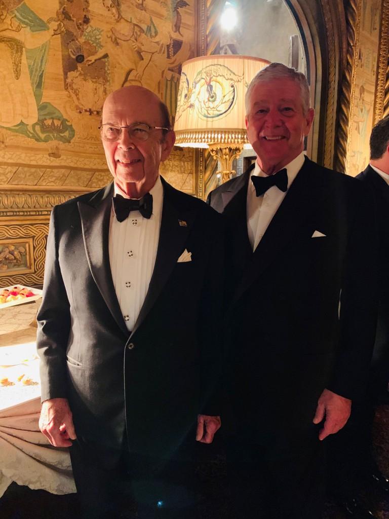Američki državni sekretar za trgovinu g-din Vilbur Ros i Nj.K.V. Prestolonaslednik Aleksandar