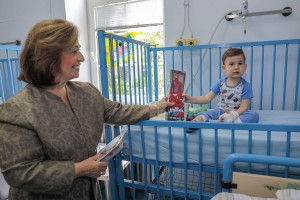 HRH Crown Princess Katherine in the traditional Easter visit to children's hospitals