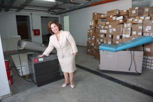 """Nj.K.V. Princeza Katarina pokazuje donaciju omogućenu uz pomoć humanitarne organizacije """"Project C.U.R.E"""""""