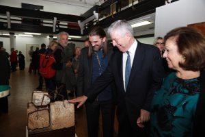 Њ.К.В. са председником удружења, проф. Лазовићем