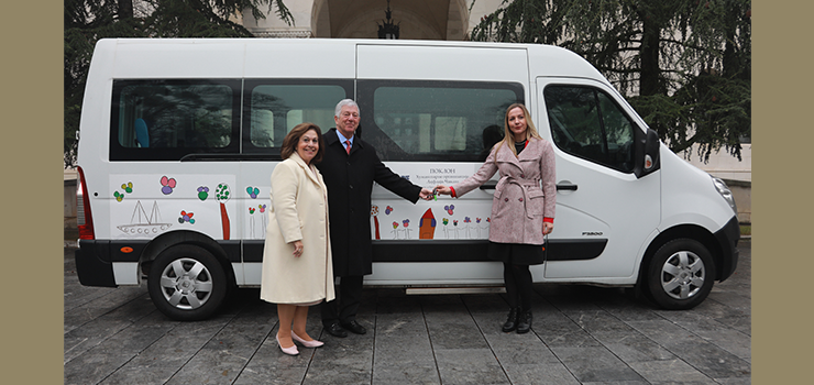 "TRH Crown Prince Alexander and Princess Katherine delivering the keys of the van to the Home for Children and Persons with Disabilities ""Dr. Nikola Sumenkovic"" in Stamnica"